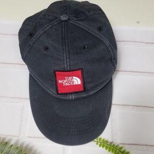 The North Face unisex black wash snapback hat